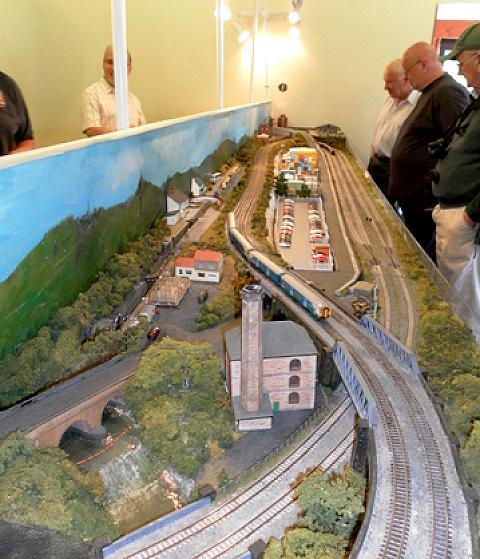 O gauge model railway engines